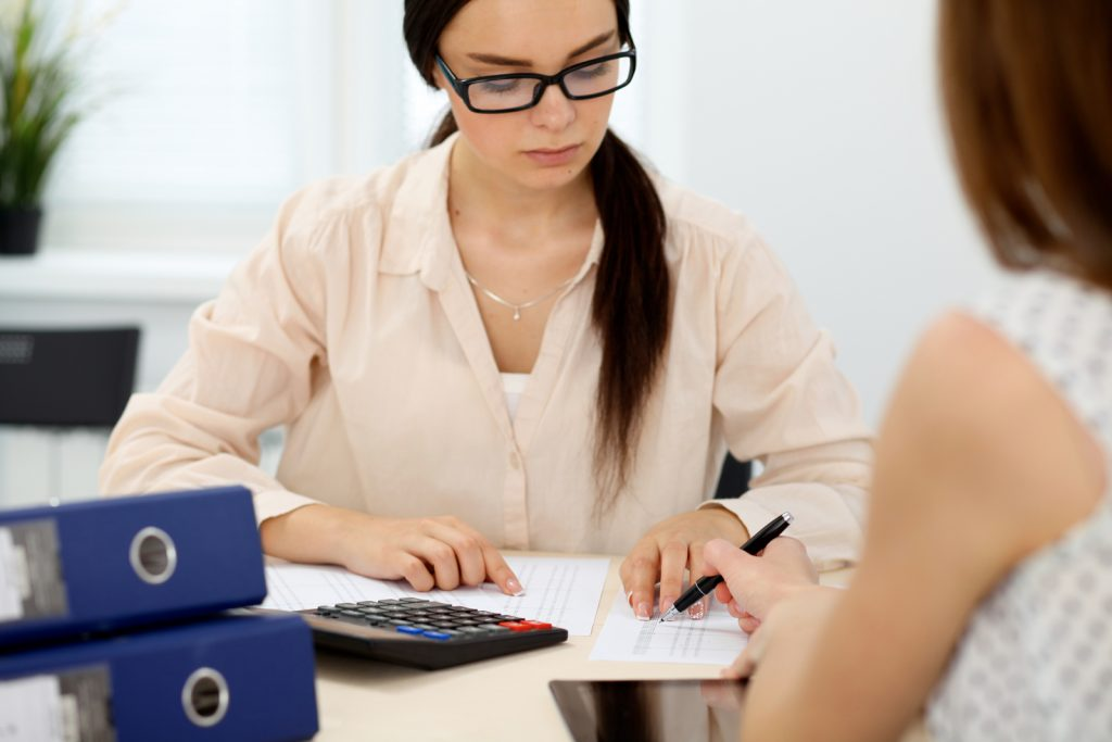 Bookkeeper vs accountant
